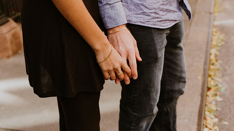 Sådan kan du holde gnisten ved lige i ægteskabet