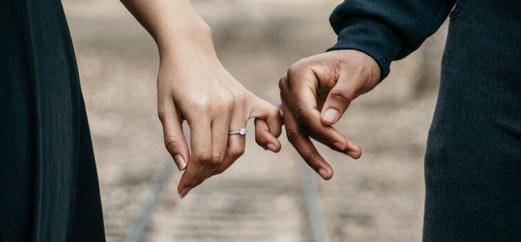 Glæd din kæreste med smykker fra Georg Jensen